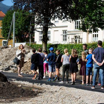 Baustellenbesuch im Stadtpark|Na gradbišču